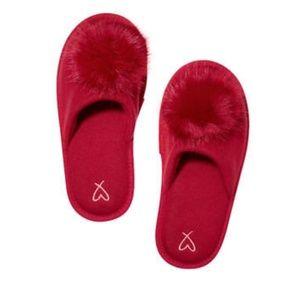 Victoria Secret red pom pom slippers sz med/7-8